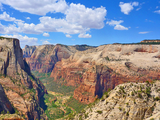 Looking south down Zion Canyon from Observation Point